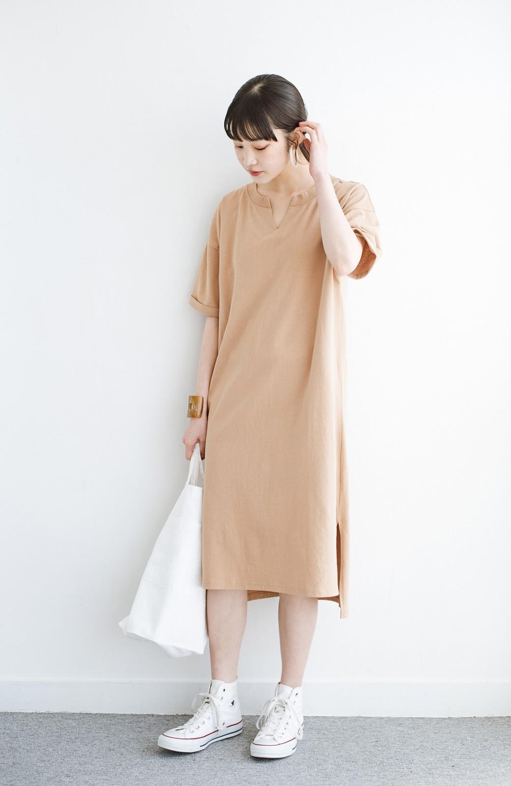 haco! キーネックがさり気なく女っぽい 重ね着にも便利なビッグTシャツワンピース <ベージュ>の商品写真8