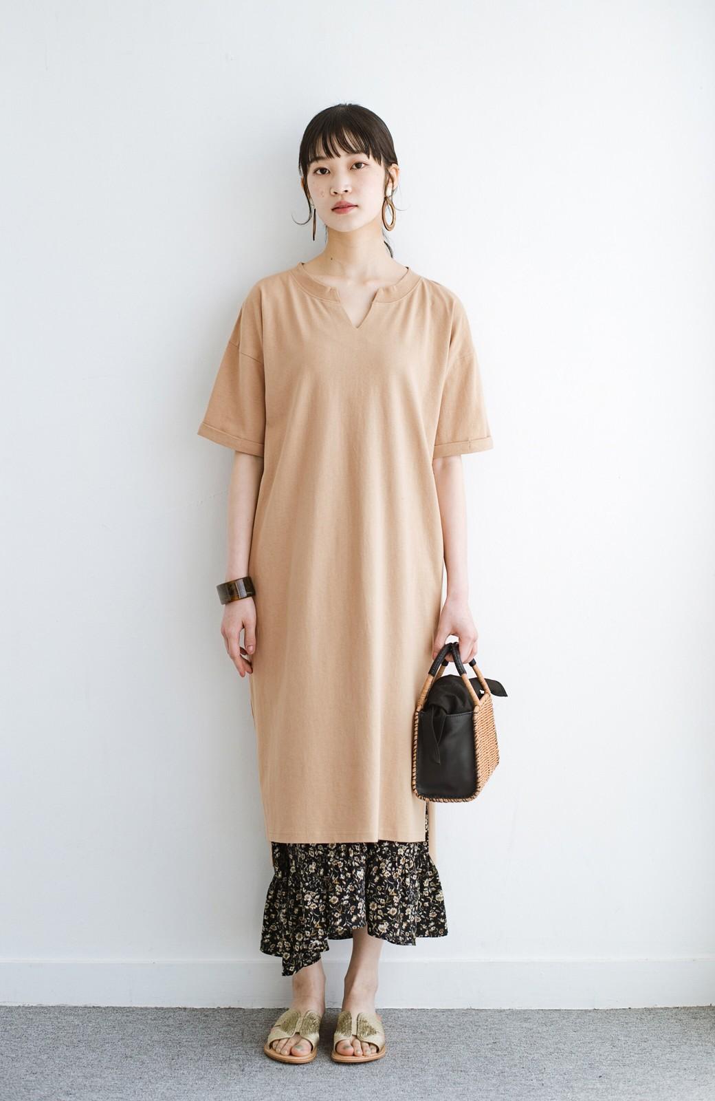 haco! キーネックがさり気なく女っぽい 重ね着にも便利なビッグTシャツワンピース <ベージュ>の商品写真10