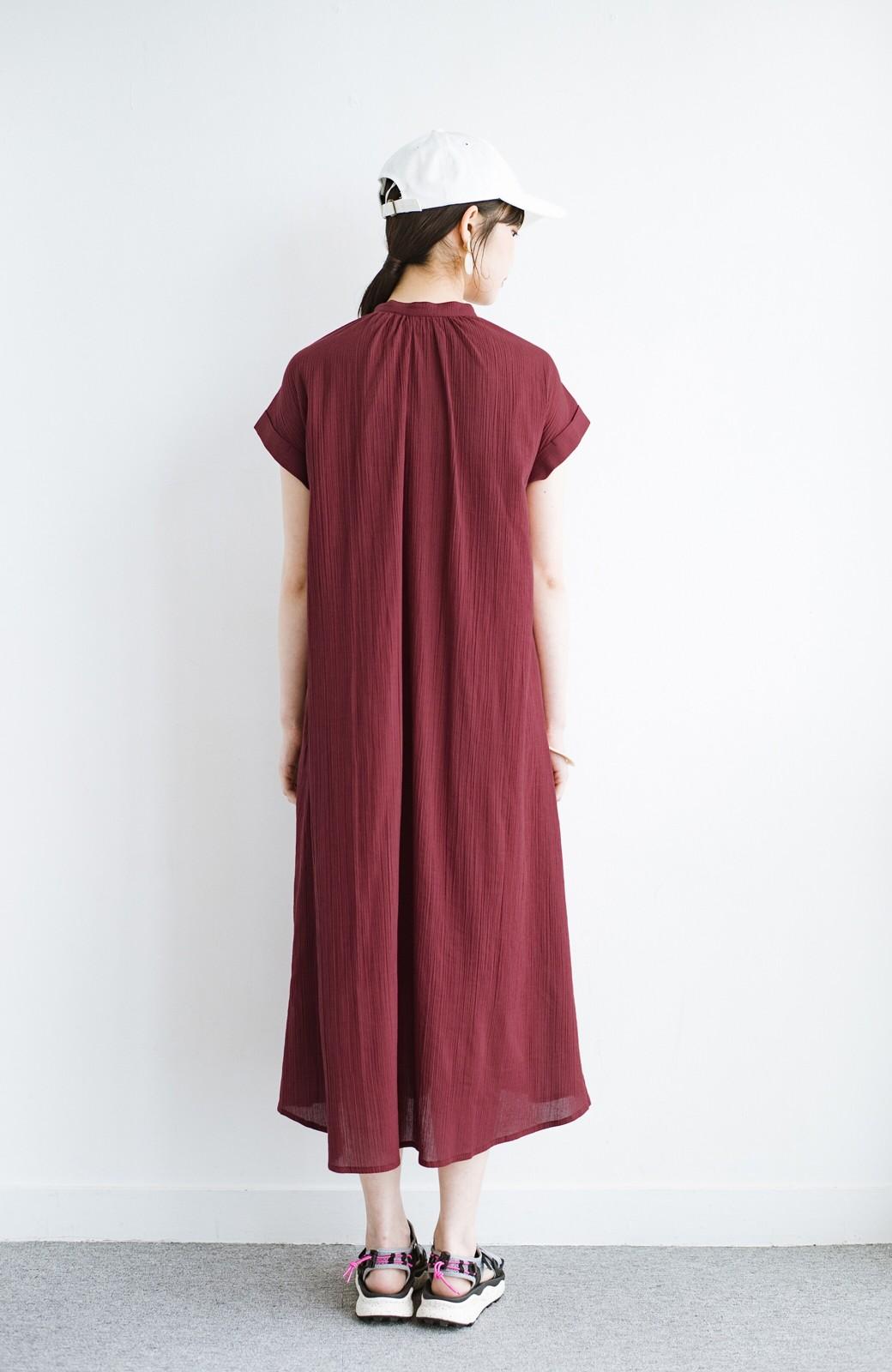 haco! バレずにとことん楽できる 羽織りとしても使える軽やかシャツワンピース <レッド>の商品写真15