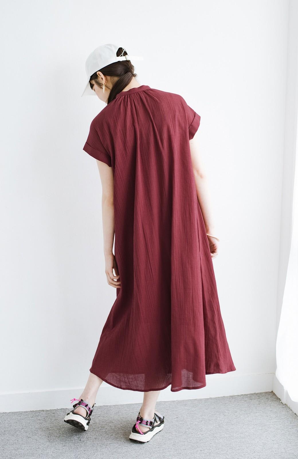 haco! バレずにとことん楽できる 羽織りとしても使える軽やかシャツワンピース <レッド>の商品写真16