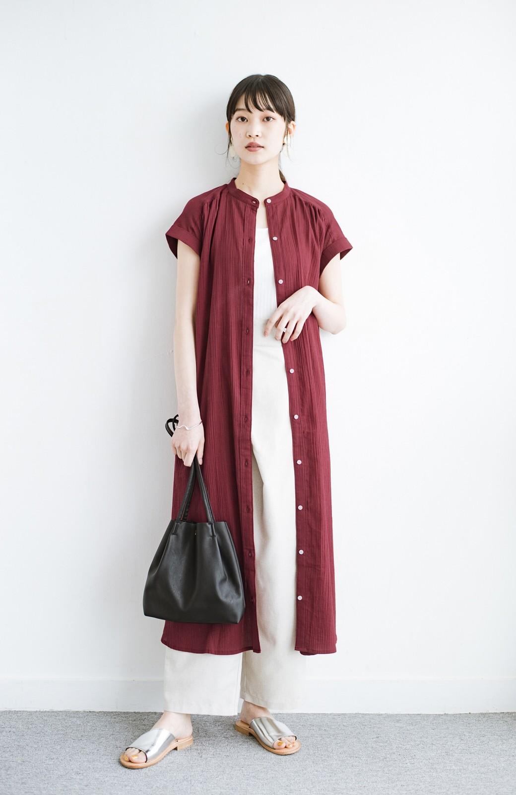 haco! バレずにとことん楽できる 羽織りとしても使える軽やかシャツワンピース <レッド>の商品写真13
