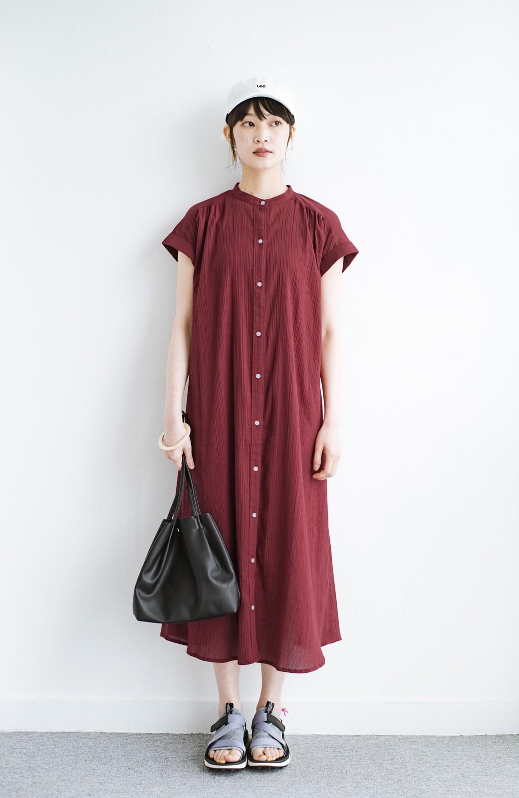 haco! バレずにとことん楽できる 羽織りとしても使える軽やかシャツワンピース <レッド>の商品写真11
