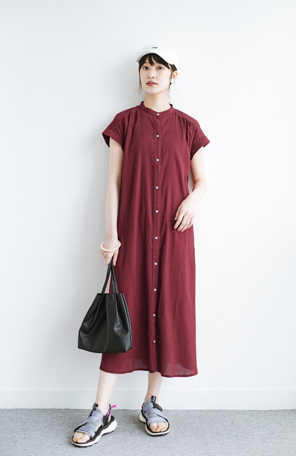 haco! バレずにとことん楽できる 羽織りとしても使える軽やかシャツワンピース <レッド>の商品写真12