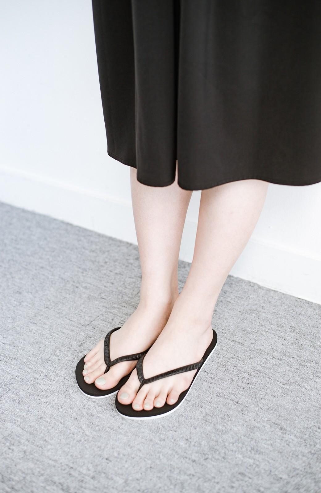 haco! 気軽に履きたい 天然ゴムのビーチサンダル byHAYN <ブラック>の商品写真3
