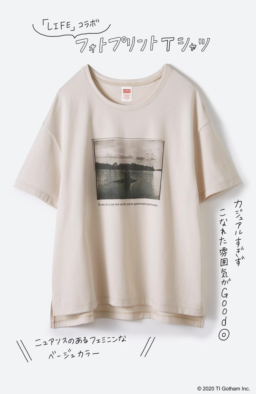 haco! フォトマガジン「LIFE」コラボ 大人のためのしなやかフォトプリントTシャツ <ライトベージュ>の商品写真2