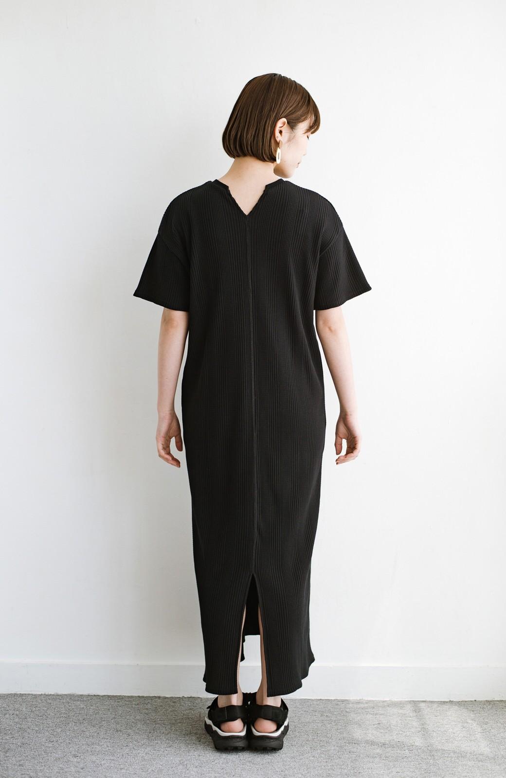 haco! パッと着るだけで楽ちんかわいいランダムテレコのTシャツワンピース <ブラック>の商品写真15
