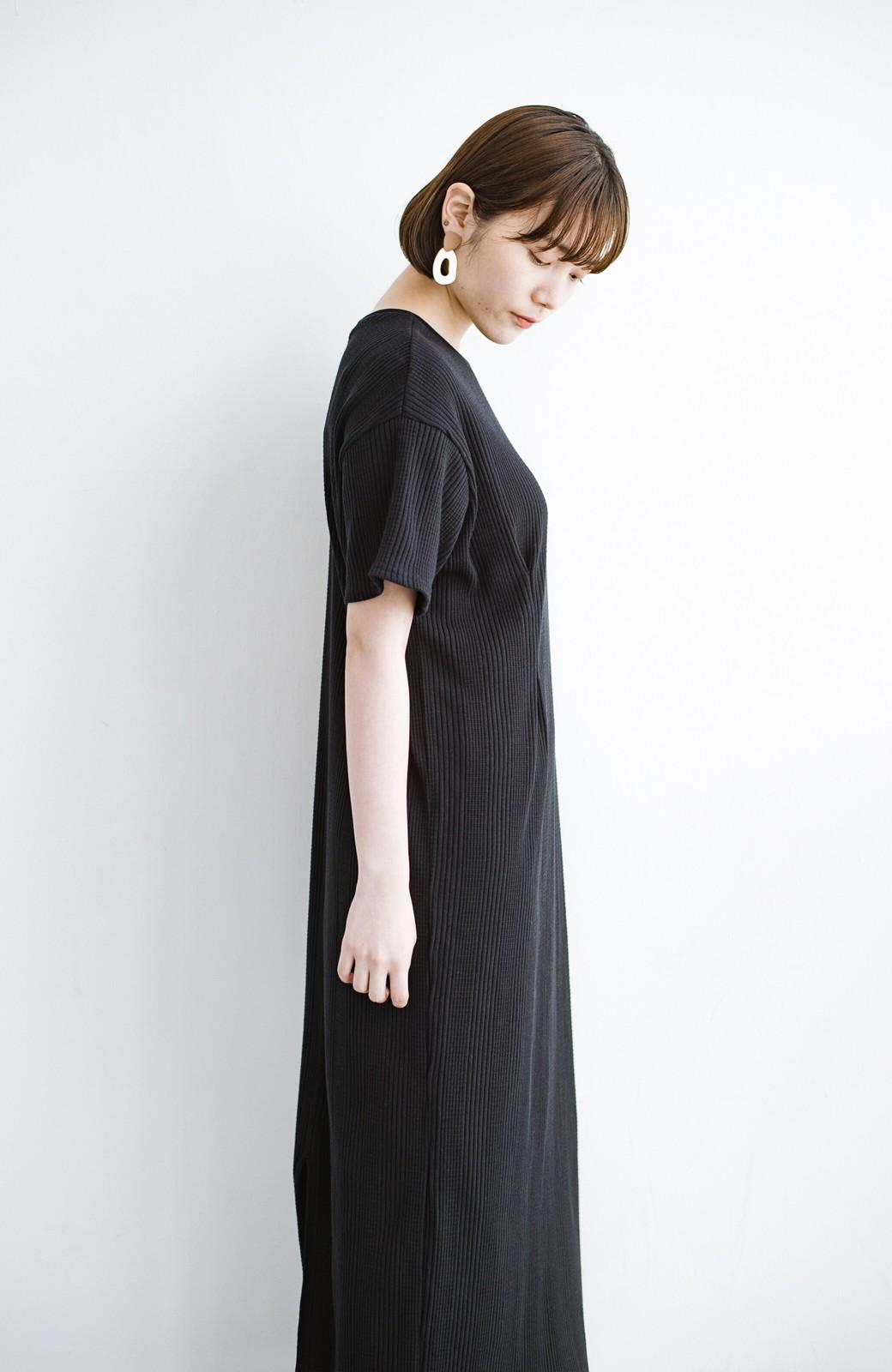 haco! パッと着るだけで楽ちんかわいいランダムテレコのTシャツワンピース <ブラック>の商品写真17