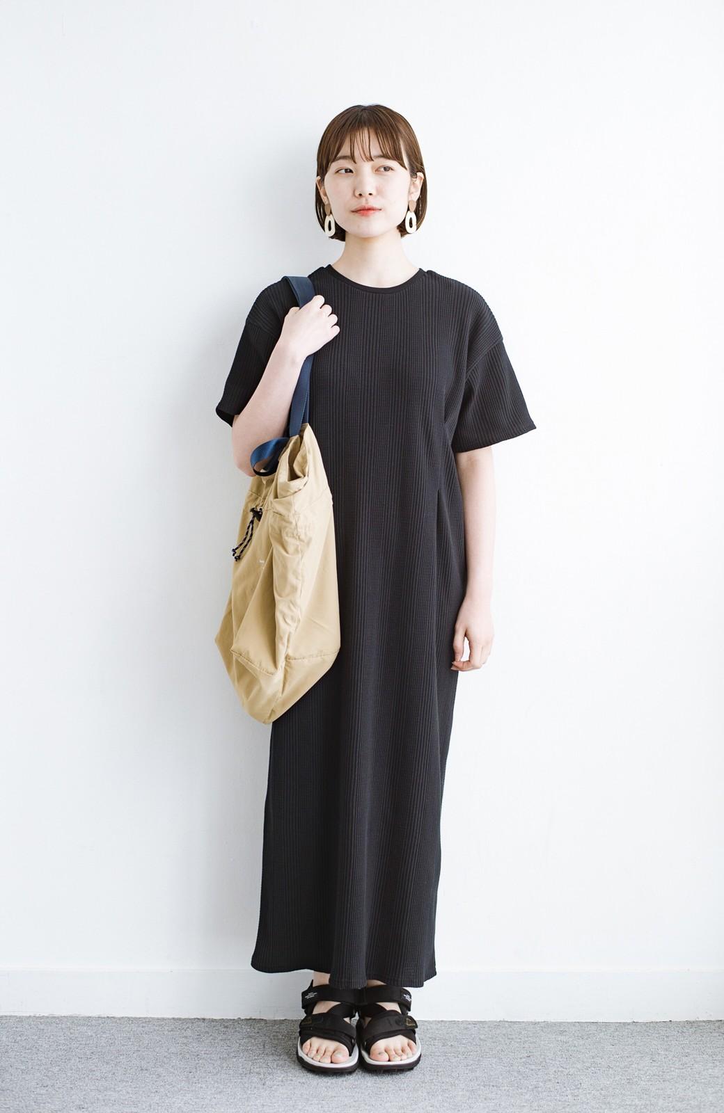 haco! パッと着るだけで楽ちんかわいいランダムテレコのTシャツワンピース <ブラック>の商品写真11