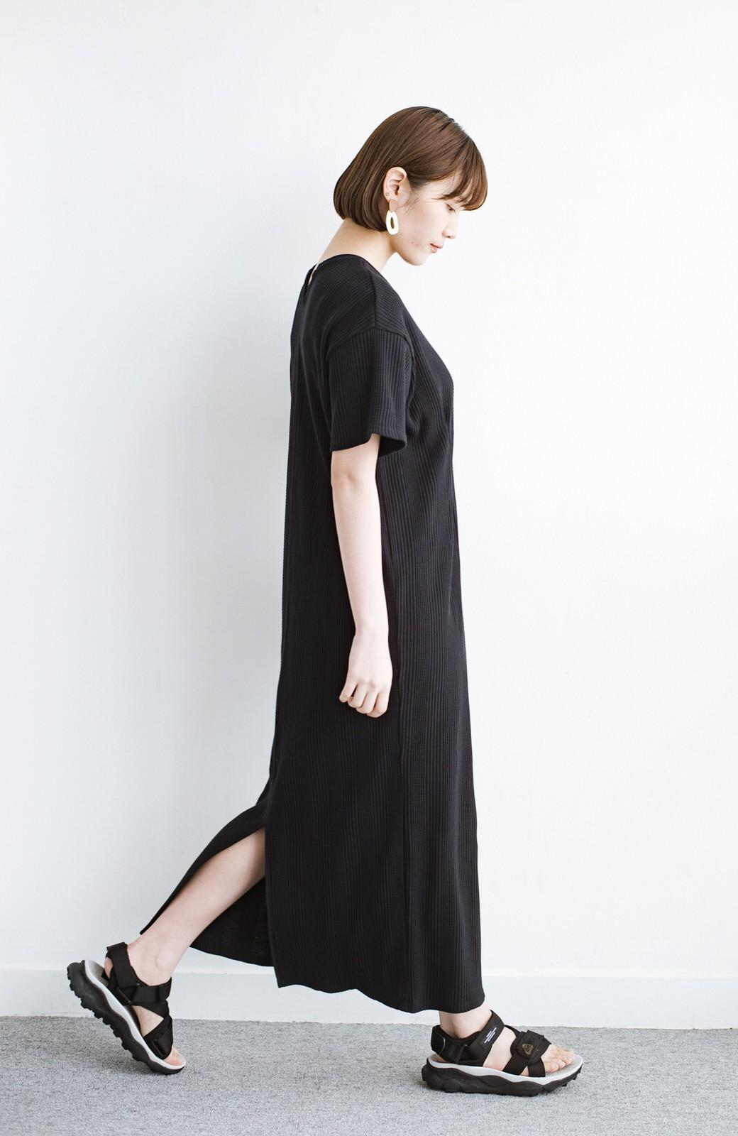 haco! パッと着るだけで楽ちんかわいいランダムテレコのTシャツワンピース <ブラック>の商品写真13