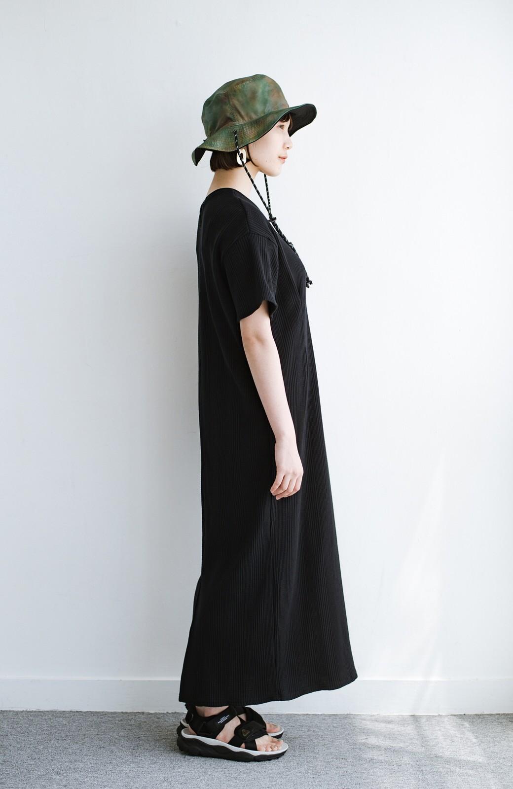 haco! パッと着るだけで楽ちんかわいいランダムテレコのTシャツワンピース <ブラック>の商品写真14