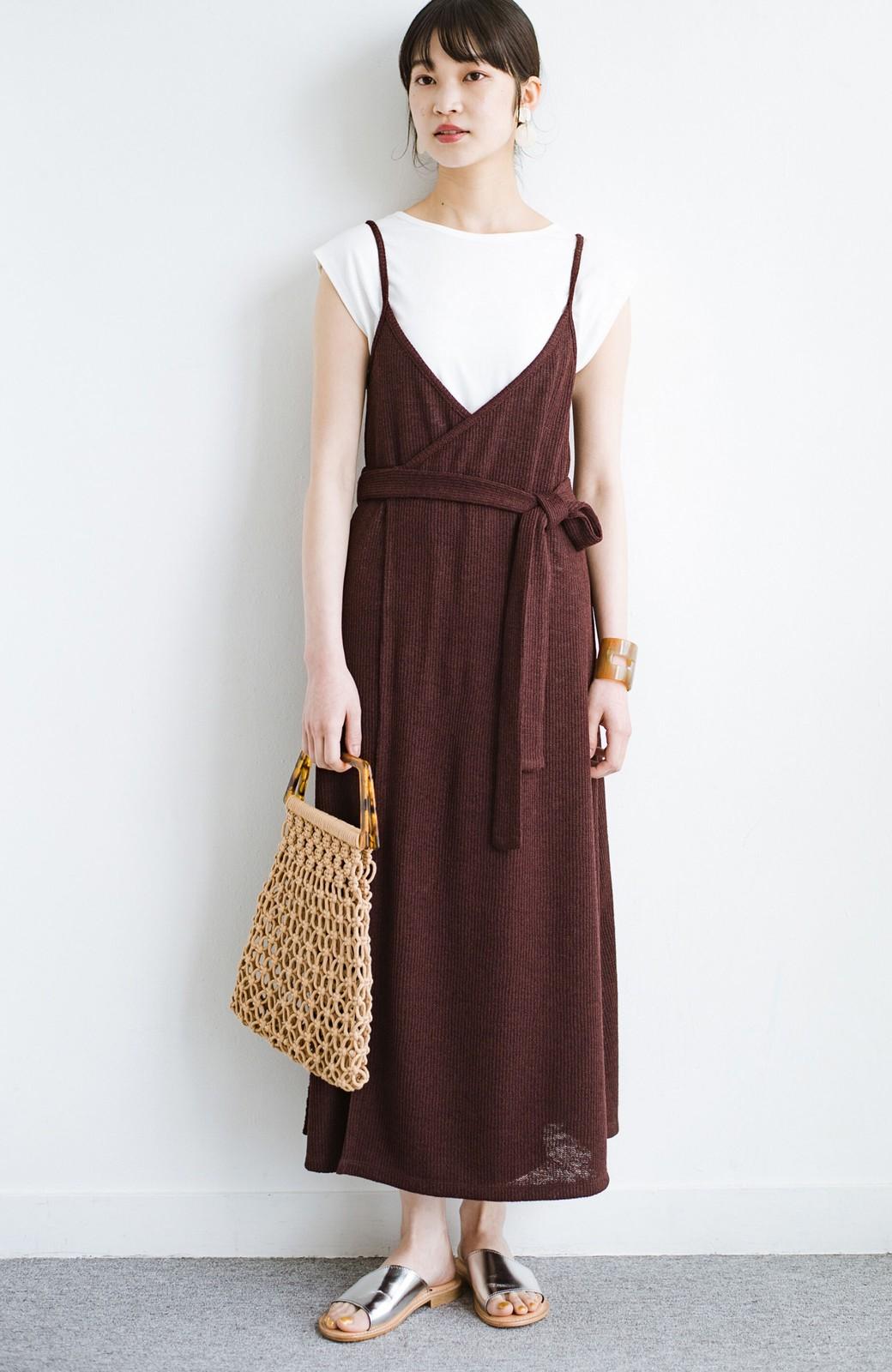 haco! 合わせて着るだけで今っぽかわいい シンプルTシャツ&カシュクールキャミワンピースセット <ダークブラウン>の商品写真1