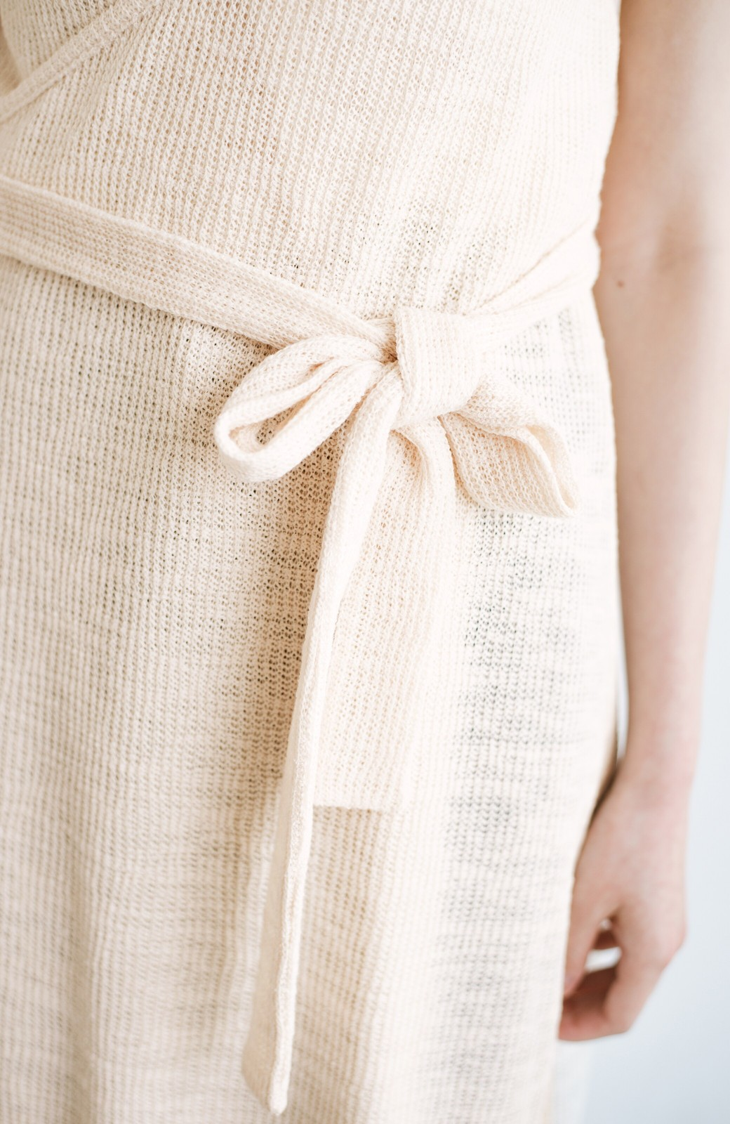 haco! 合わせて着るだけで今っぽかわいい シンプルTシャツ&カシュクールキャミワンピースセット <ライトベージュ>の商品写真5