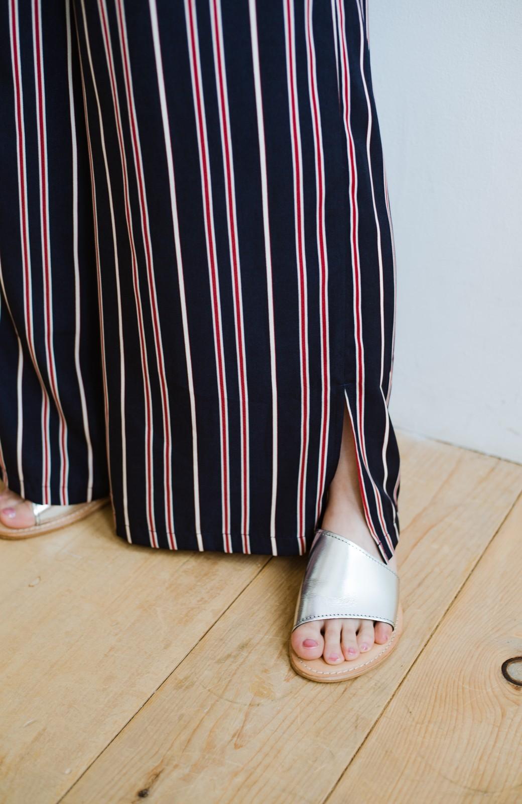 haco! パッとはくだけで着映えはもちろん 重ね着にも便利なストライプワイドパンツ <ネイビー>の商品写真2