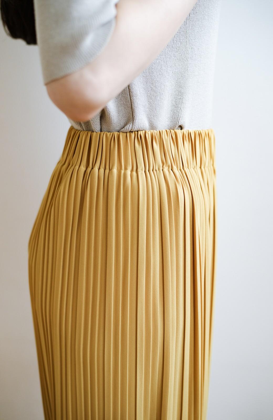 haco! パンツ派さんのデートにもカジュアル派さんの重ね着にも便利なプリーツパンツ <マスタード>の商品写真8