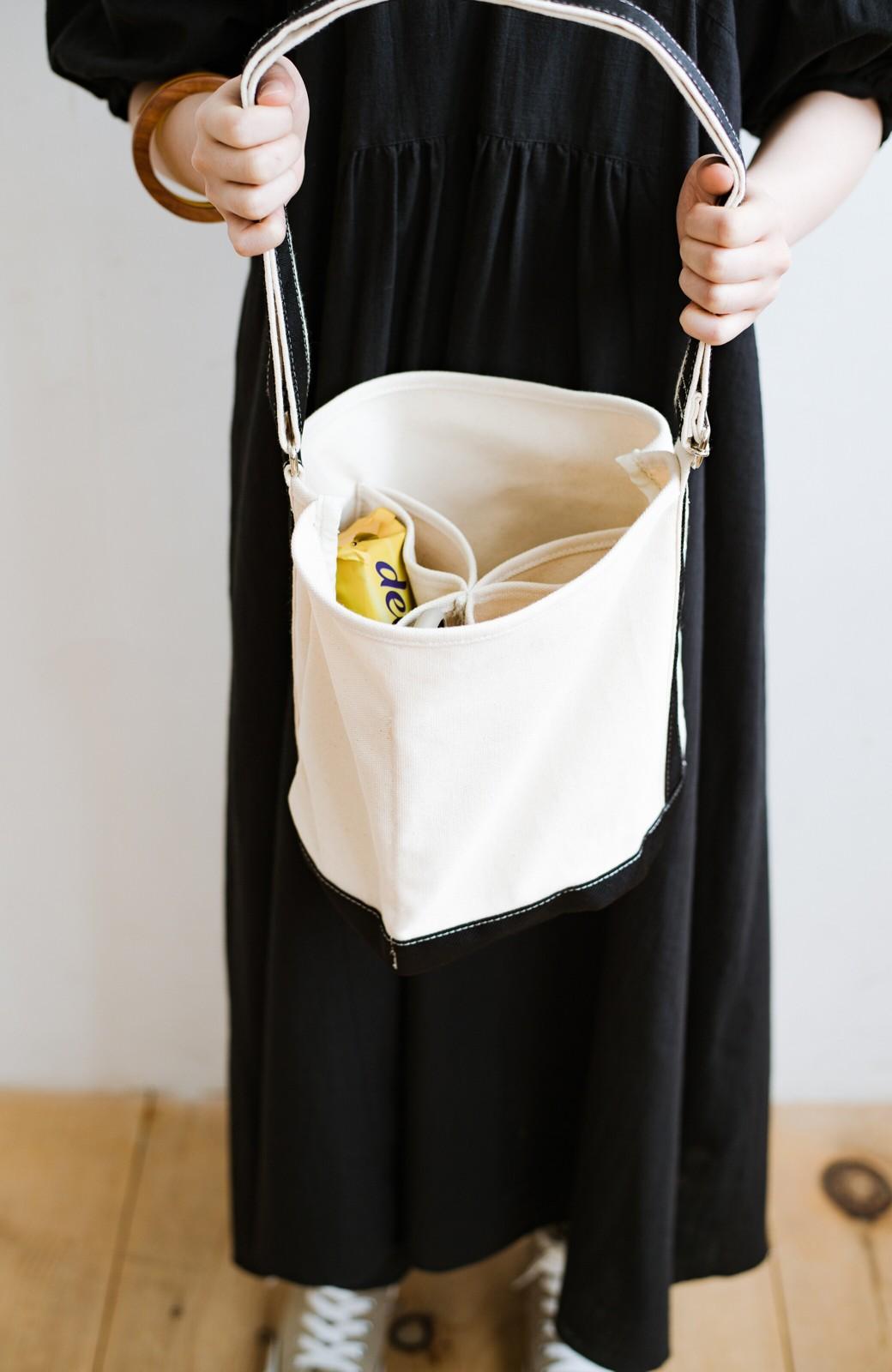 haco! anello®  バケツ型がユニークなミニトートバッグ <ブラック>の商品写真2