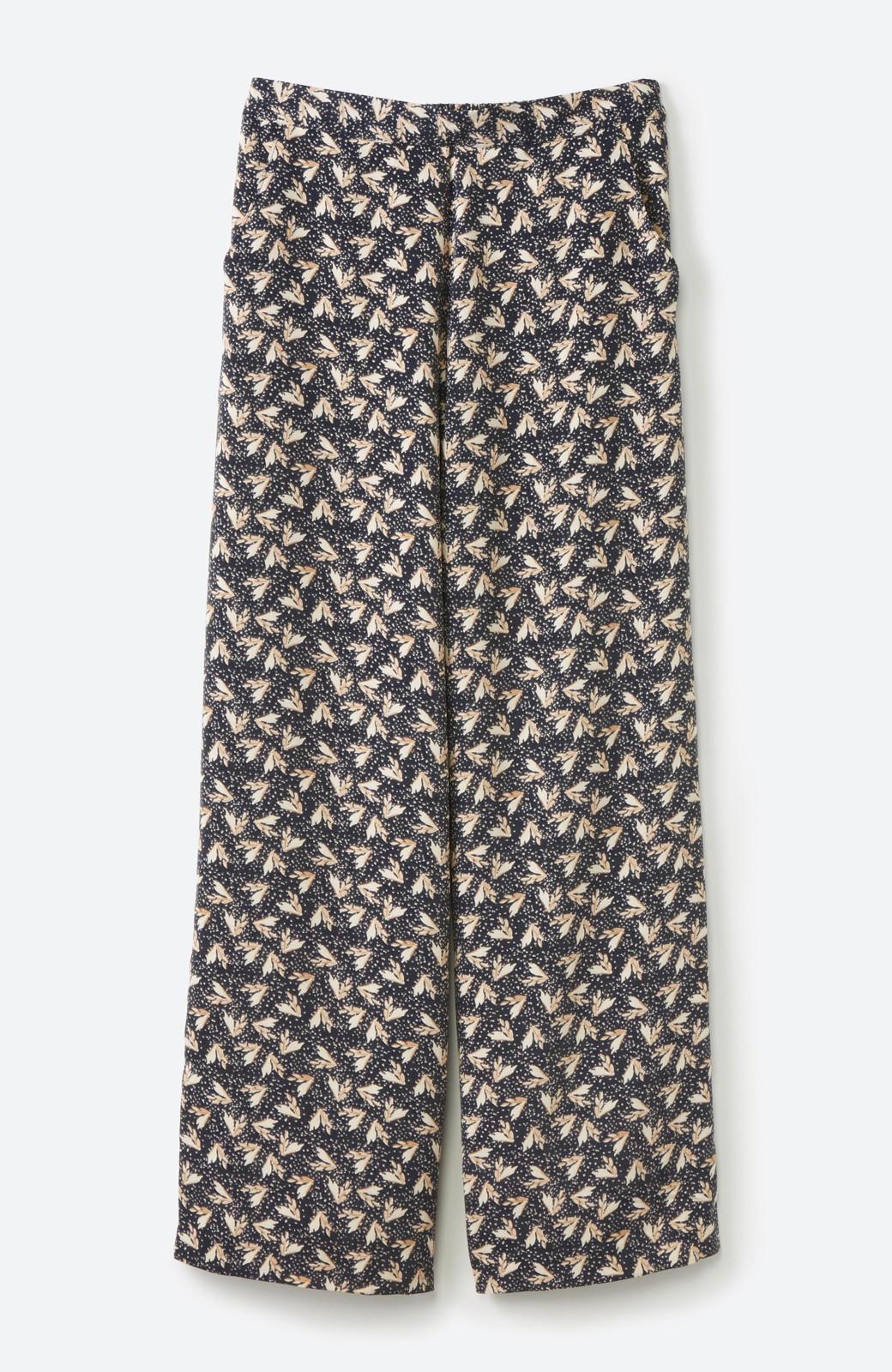haco! 1枚でも重ね着でもパッと着映えする すっきりシルエットの大人の柄パンツ <ネイビー>の商品写真22