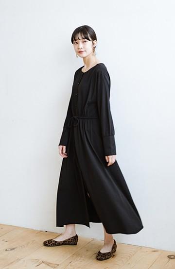 haco! デニムやスカートを重ねて簡単にこなれて見える 羽織れるドロストワンピース <ブラック>の商品写真