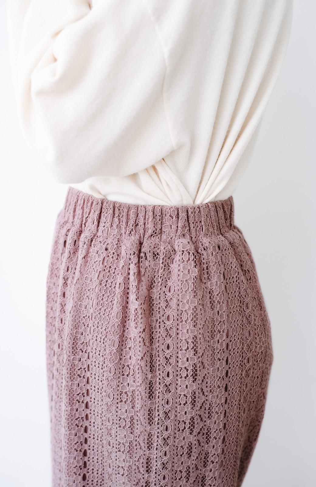 haco! パンツスタイルも女っぽく華やかにきまる 甘さ控えめ柄が着やすいフレアーレースパンツ <ピンク>の商品写真3