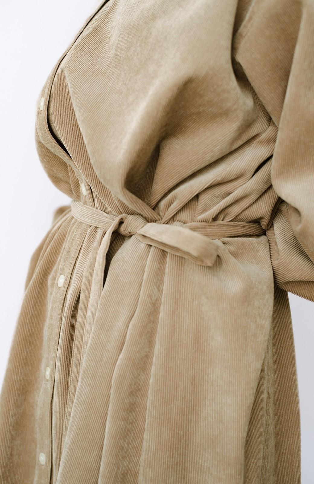 haco! 1枚でもパンツを重ねても便利!羽織にもなるコーデュロイワンピース <ベージュ>の商品写真4