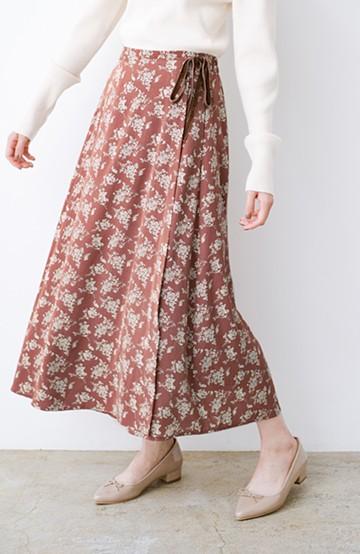 haco! シンプルトップスを合わせるだけで印象アップ間違いなしの花柄ロングフレアースカート <ピンク>の商品写真