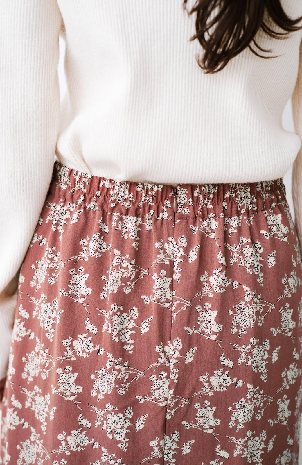 haco! シンプルトップスを合わせるだけで印象アップ間違いなしの花柄ロングフレアースカート <ピンク>の商品写真8