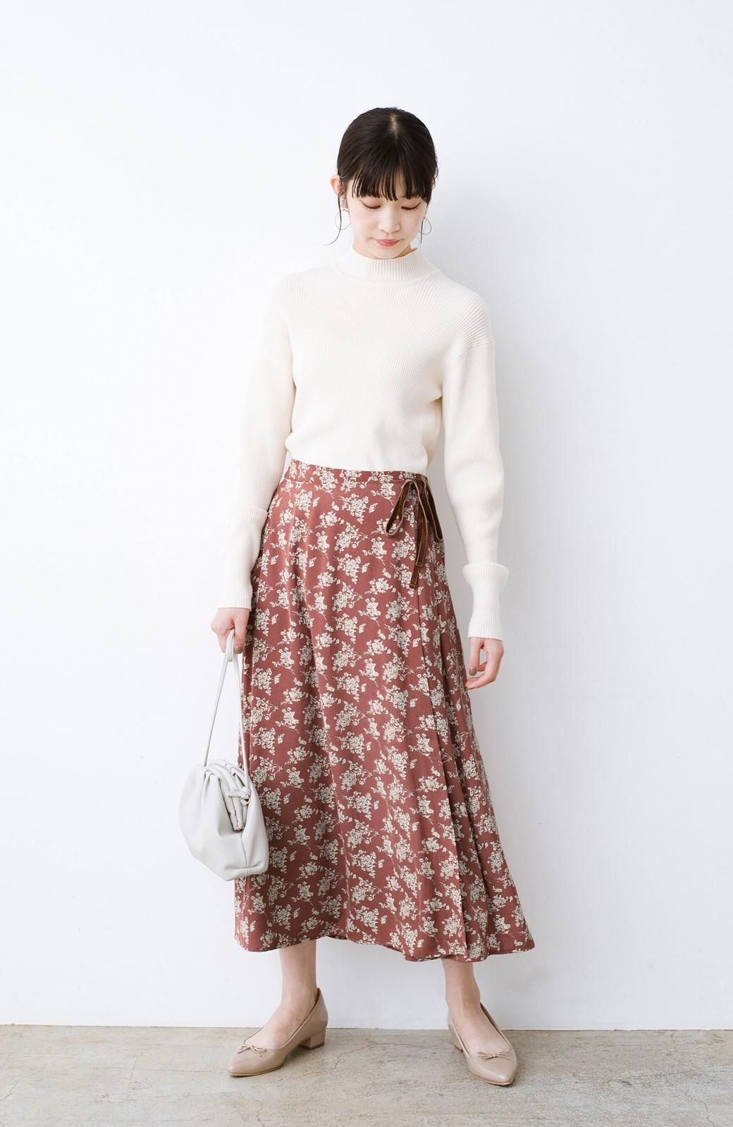 haco! シンプルトップスを合わせるだけで印象アップ間違いなしの花柄ロングフレアースカート <ピンク>の商品写真10