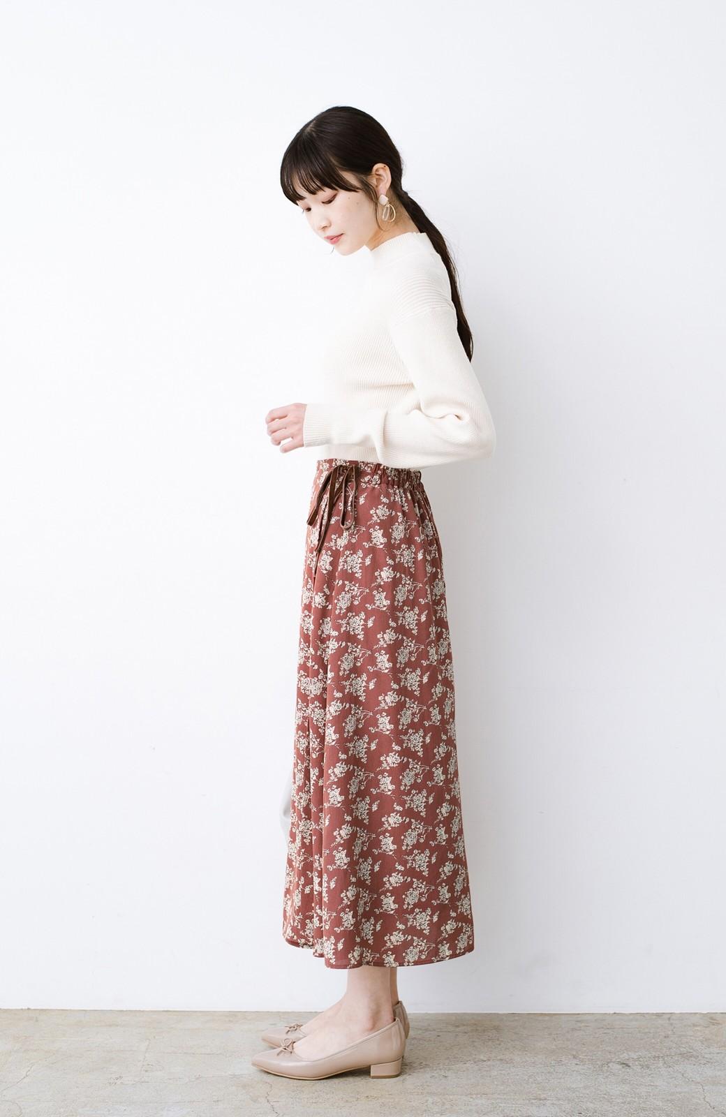 haco! シンプルトップスを合わせるだけで印象アップ間違いなしの花柄ロングフレアースカート <ピンク>の商品写真14
