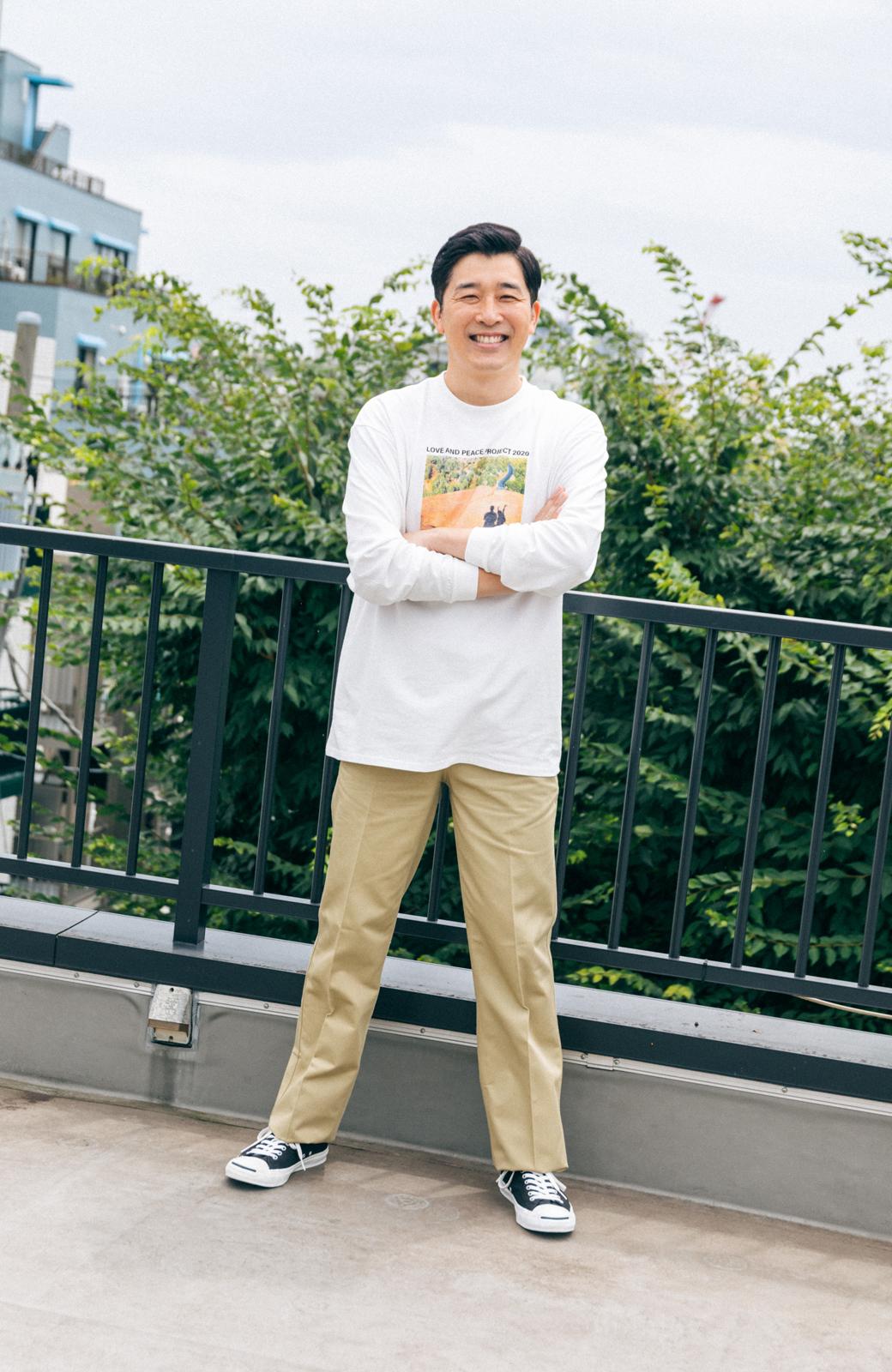 haco! 【高橋愛さんコラボ】フォトプリントのユニセックスロングTシャツ by LOVE&PEACE PROJECT + PBP  <ホワイト>の商品写真9
