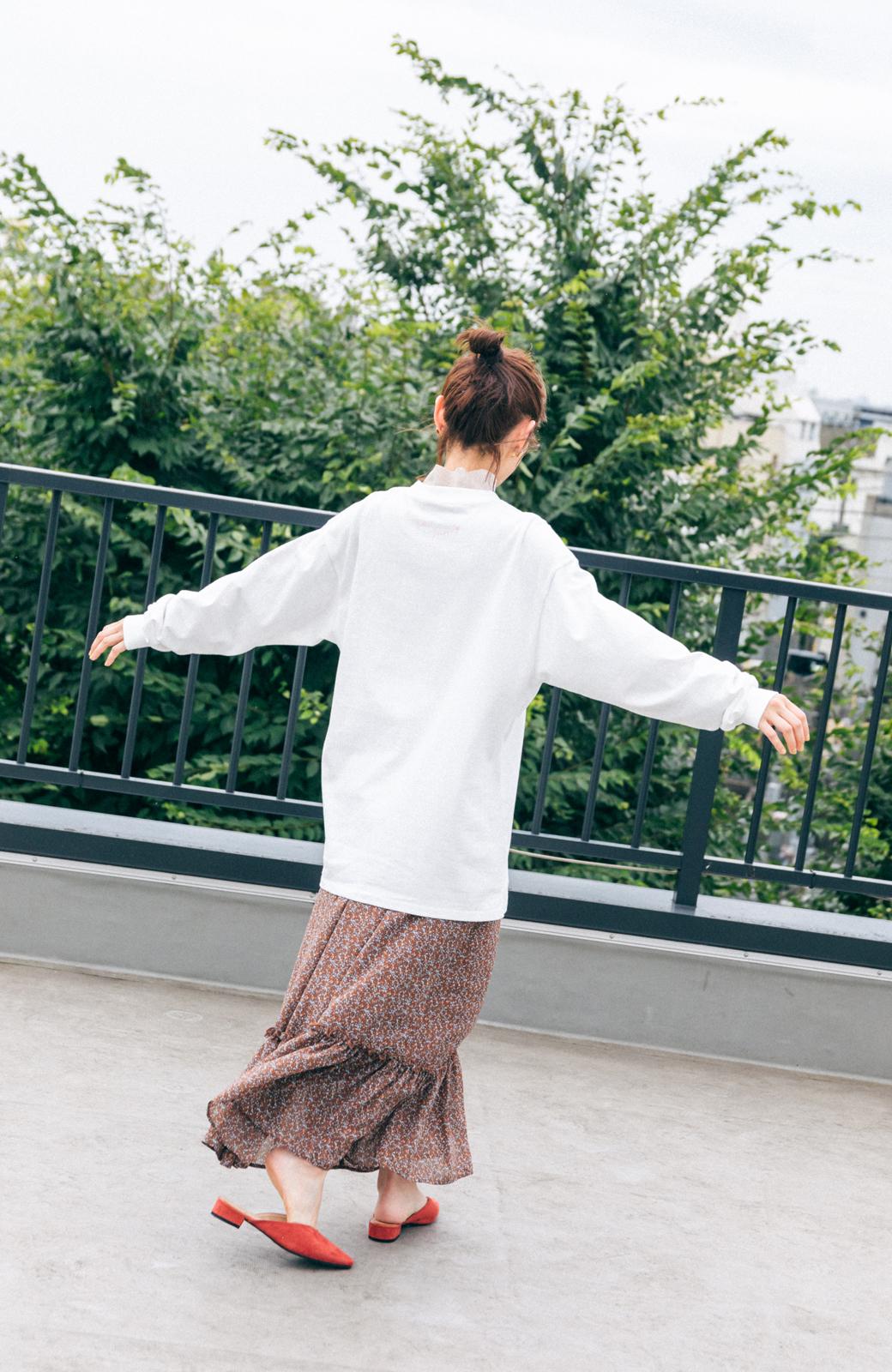 haco! 【高橋愛さんコラボ】フォトプリントのユニセックスロングTシャツ by LOVE&PEACE PROJECT + PBP  <ホワイト>の商品写真17