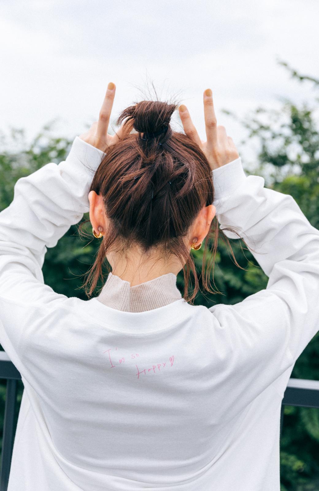 haco! 【高橋愛さんコラボ】フォトプリントのユニセックスロングTシャツ by LOVE&PEACE PROJECT + PBP  <ホワイト>の商品写真13