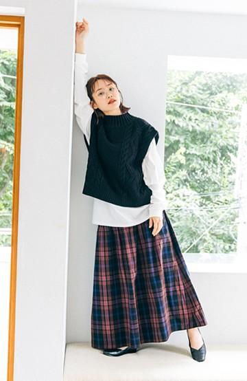 haco! 【高橋愛さんコラボ】シンプルトップスを格上げさせる サイドリボンアクセントのチェックギャザーフレアースカート by LOVE&PEACE PROJECT <ダークネイビー>の商品写真