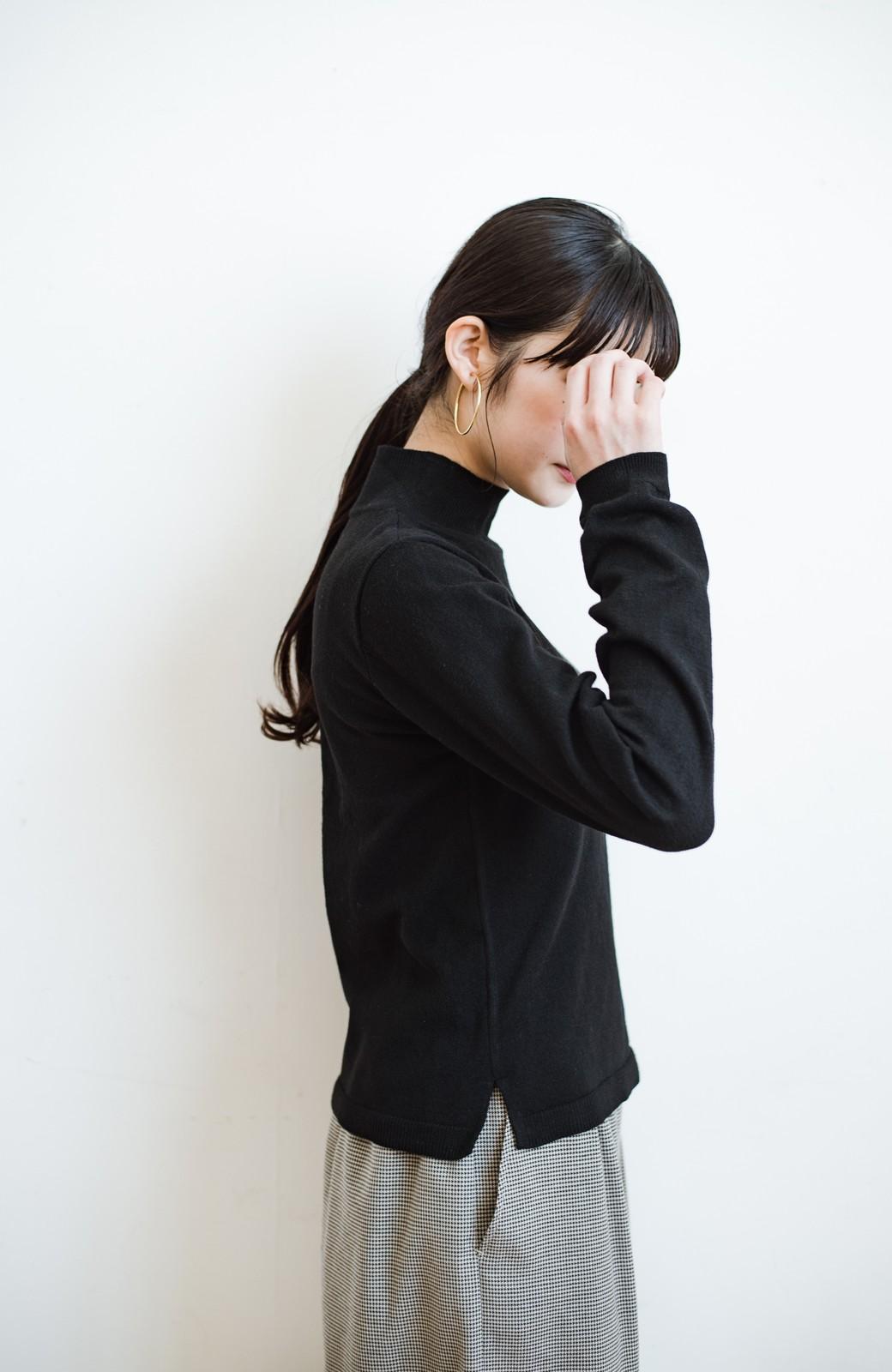 haco! 【高橋愛さんコラボ】本当に使えるニットを吟味! 重ね着に便利な刺繍入りハイネック&クルーネックニットトップス2枚セット by LOVE&PEACE PROJECT <ブラック・ボルドー>の商品写真26