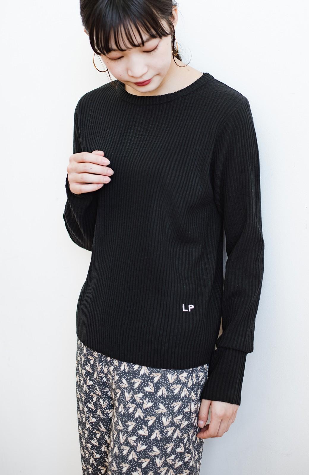 haco! 【高橋愛さんコラボ】本当に使えるニットを吟味! 重ね着に便利な刺繍入りハイネック&クルーネックニットトップス2枚セット by LOVE&PEACE PROJECT <ベージュ・ブラック>の商品写真27