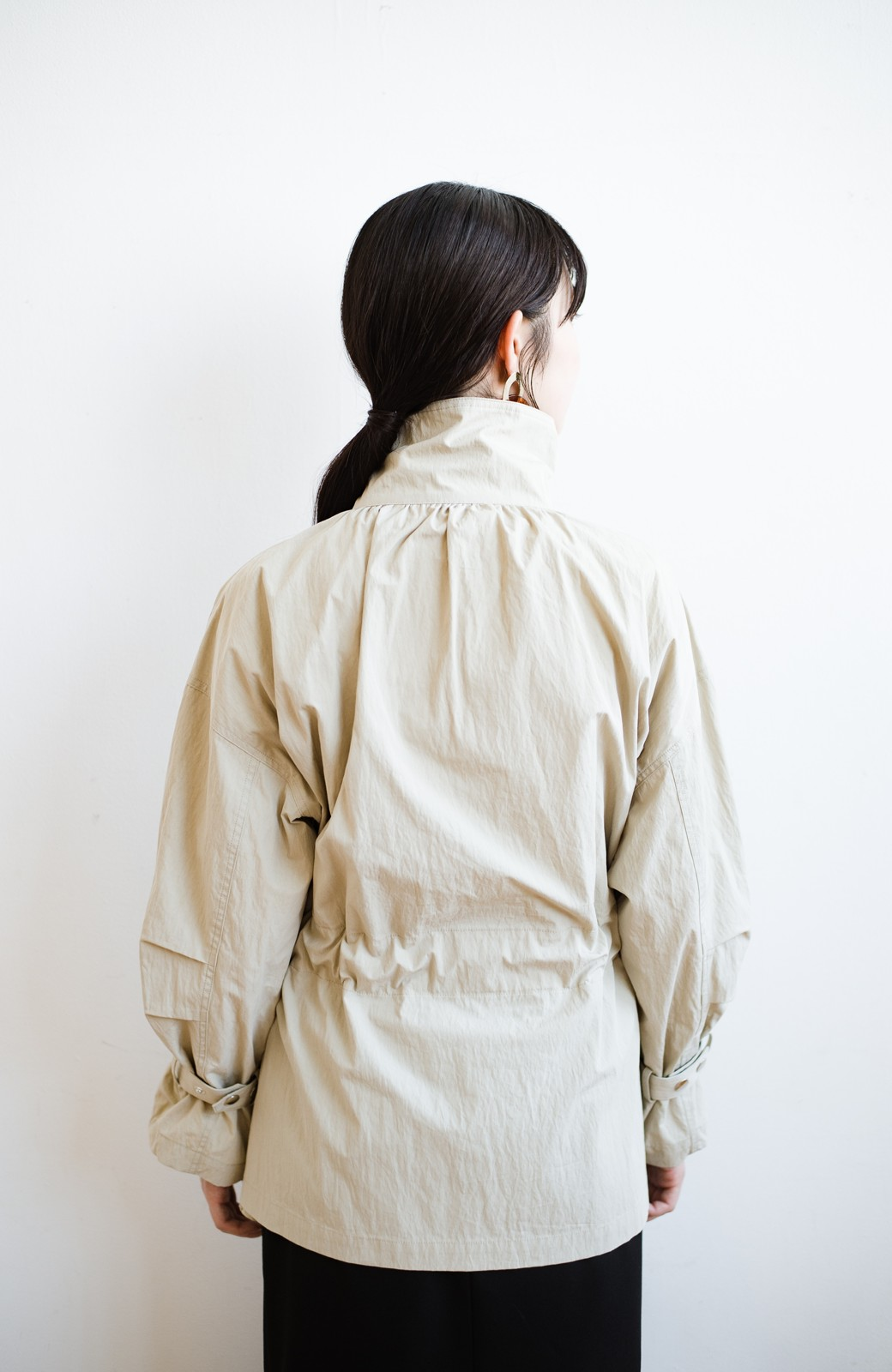 haco! 【高橋愛さんコラボ】Tシャツからニットの時期まで使える オーバーサイズスタンドカラーブルゾン by LOVE&PEACE PROJECT <ライトカーキ>の商品写真31