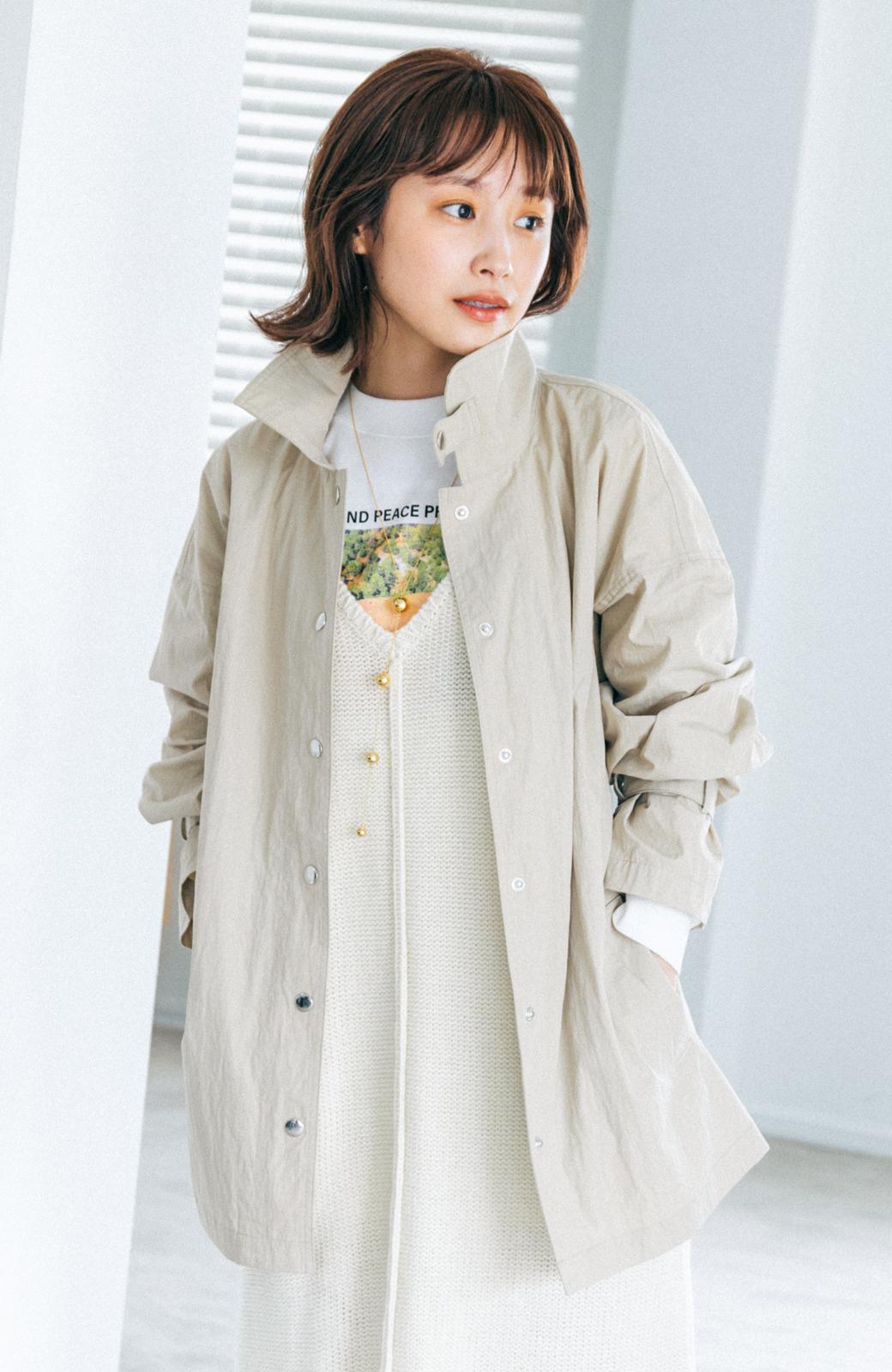 haco! 【高橋愛さんコラボ】Tシャツからニットの時期まで使える オーバーサイズスタンドカラーブルゾン by LOVE&PEACE PROJECT <ライトカーキ>の商品写真8
