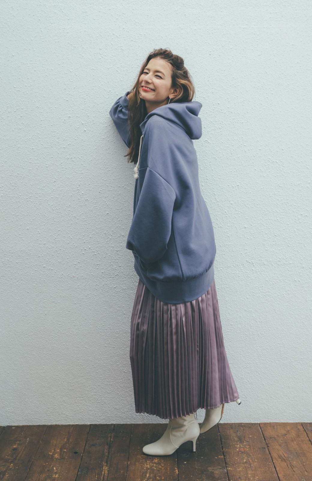 haco! 【スザンヌさんコラボ】オーバーサイズが華奢見せさせる 大人女子のためのスウェット風ビッグパーカー by LOVE&PEACE PROJECT <ラベンダー>の商品写真9