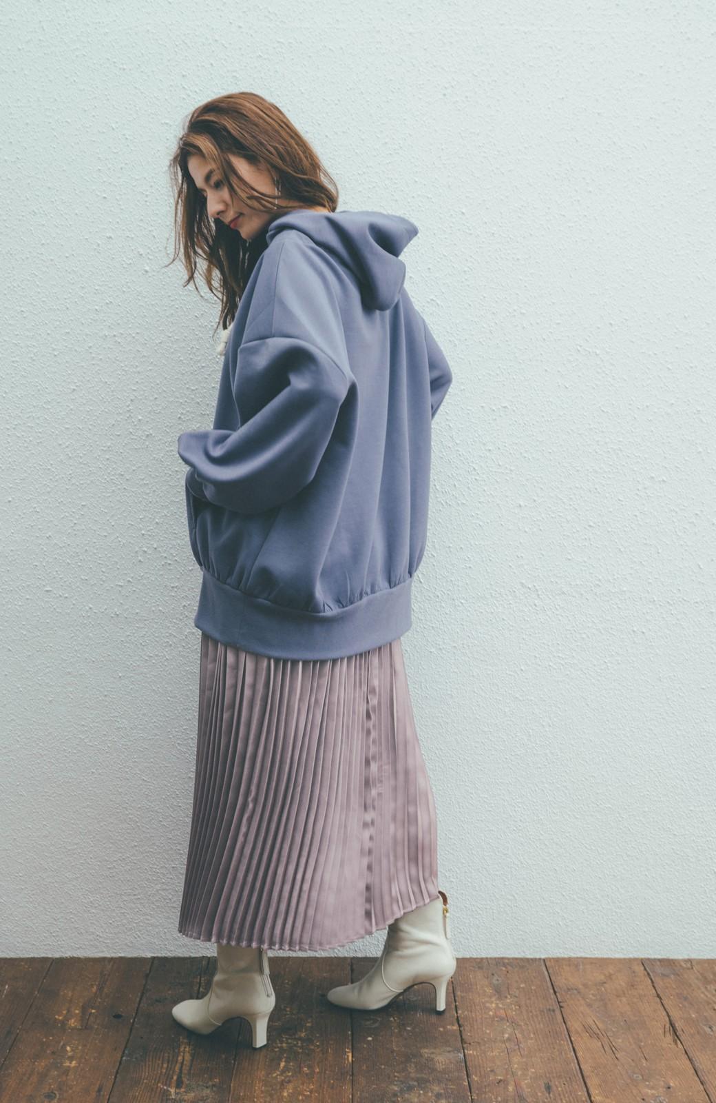 haco! 【スザンヌさんコラボ】スウェットもTシャツも着映えさせる!ラップデザイン風アシンメトリーサテンプリーツスカート by LOVE&PEACE PROJECT <スモークピンク>の商品写真15