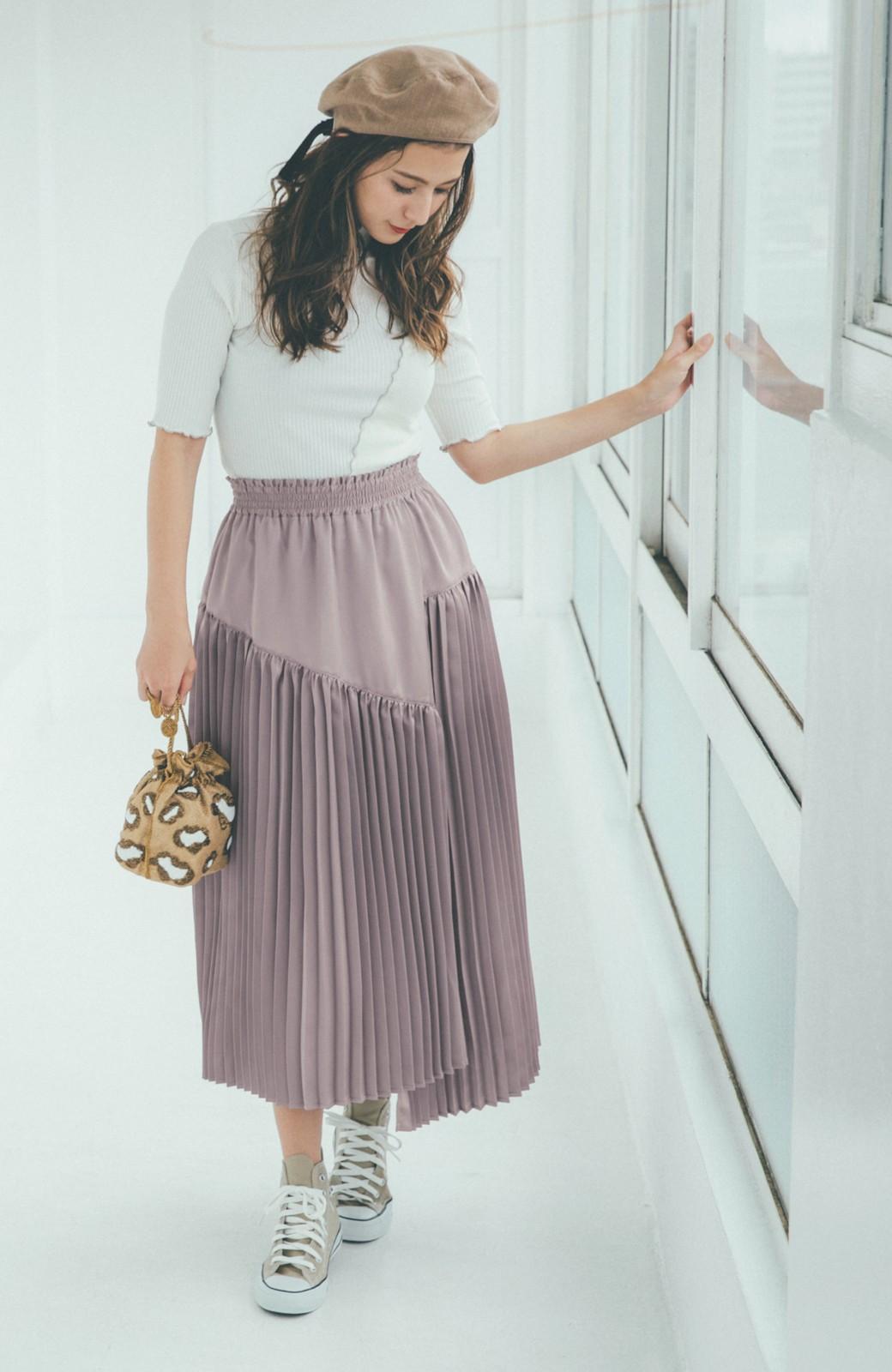 haco! 【スザンヌさんコラボ】スウェットもTシャツも着映えさせる!ラップデザイン風アシンメトリーサテンプリーツスカート by LOVE&PEACE PROJECT <スモークピンク>の商品写真9