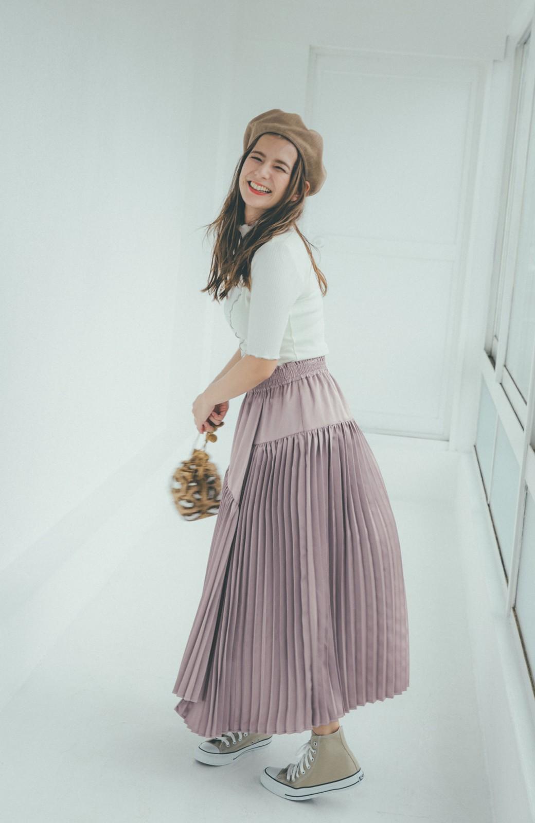 haco! 【スザンヌさんコラボ】スウェットもTシャツも着映えさせる!ラップデザイン風アシンメトリーサテンプリーツスカート by LOVE&PEACE PROJECT <スモークピンク>の商品写真12