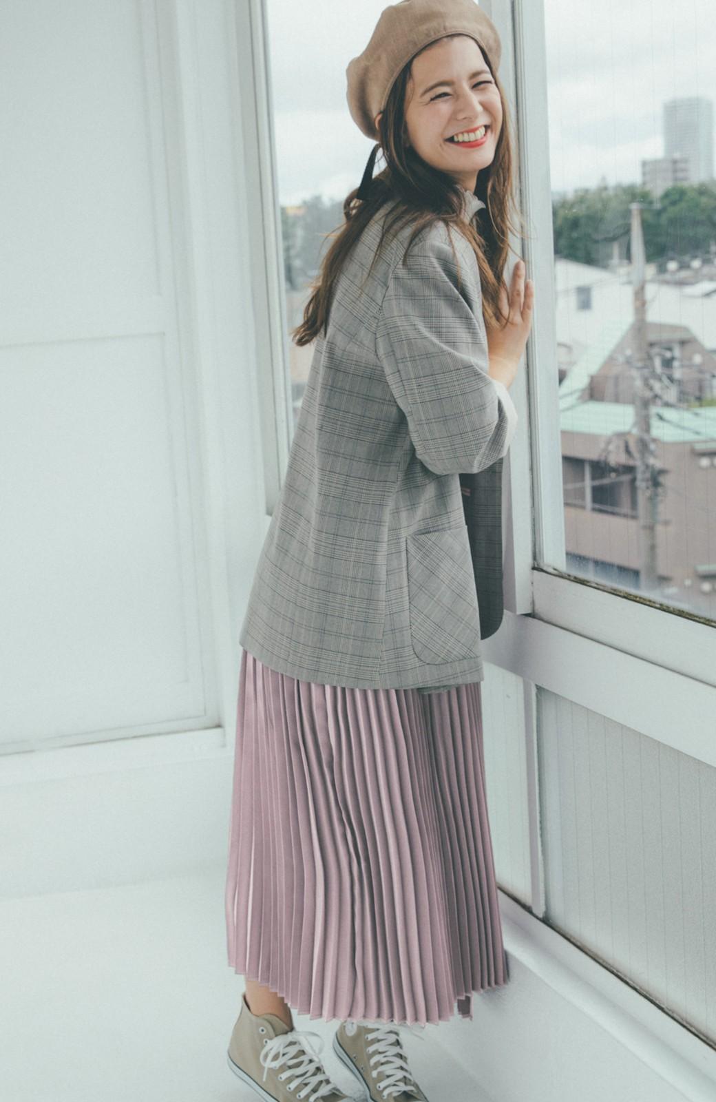 haco! 【スザンヌさんコラボ】スウェットもTシャツも着映えさせる!ラップデザイン風アシンメトリーサテンプリーツスカート by LOVE&PEACE PROJECT <スモークピンク>の商品写真13