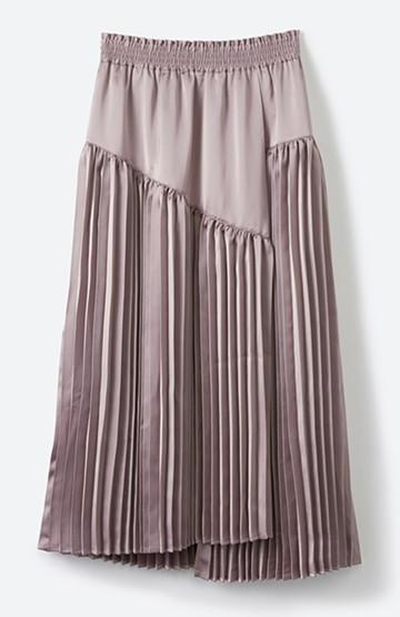 haco! 【スザンヌさんコラボ】スウェットもTシャツも着映えさせる!ラップデザイン風アシンメトリーサテンプリーツスカート by LOVE&PEACE PROJECT <スモークピンク>の商品写真