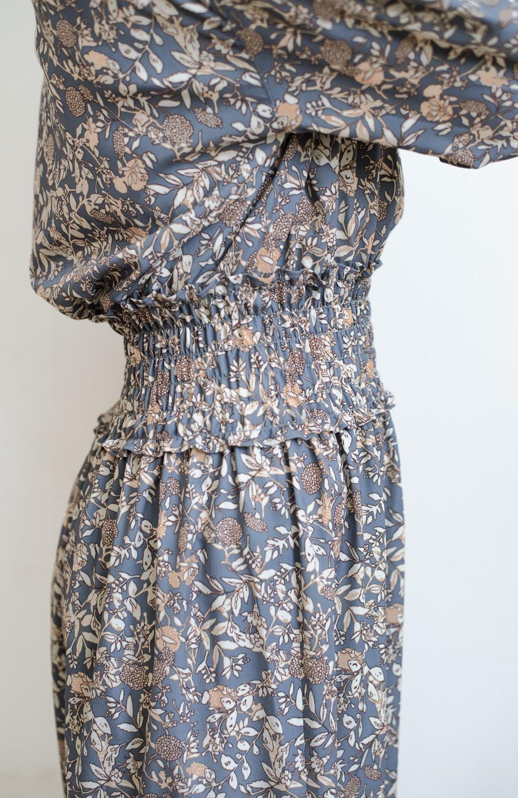 haco! 【スザンヌさんコラボ】大人の華やかさを詰め込んだ ウエストシャーリングのスタイルアップワンピース by LOVE&PEACE PROJECT <ブルー>の商品写真21
