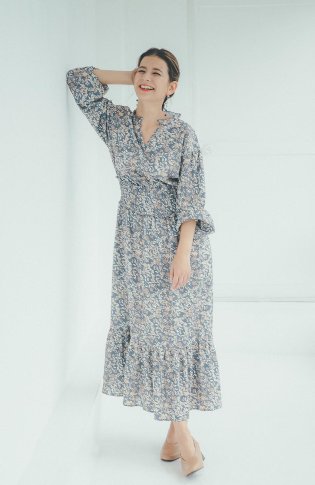 haco! 【スザンヌさんコラボ】大人の華やかさを詰め込んだ ウエストシャーリングのスタイルアップワンピース by LOVE&PEACE PROJECT <ブルー>の商品写真14