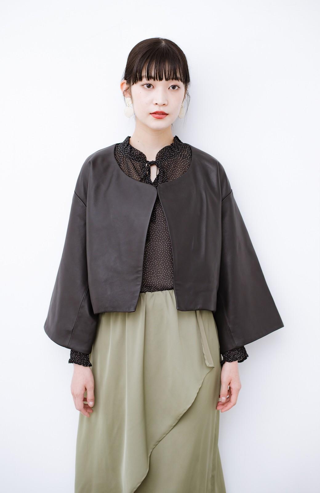haco! BOLSISTA パッと羽織って大人かっこいいノーカラーレザージャケット <ブラック>の商品写真2