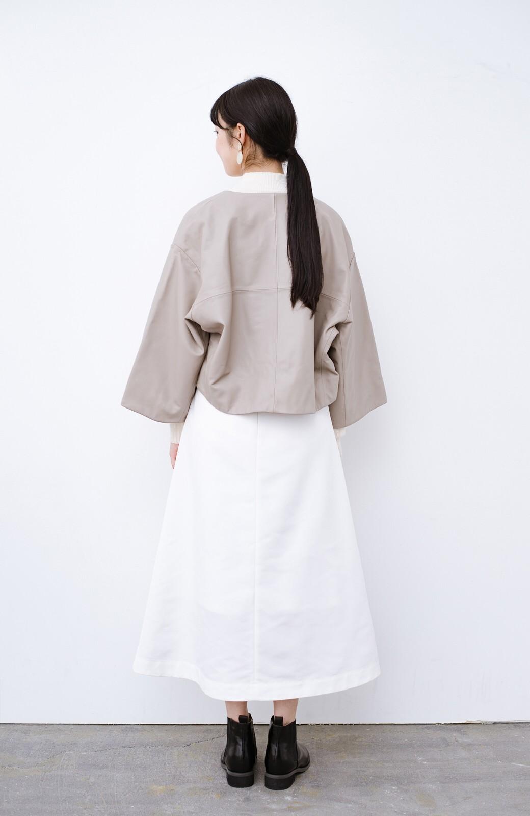 haco! BOLSISTA パッと羽織って大人かっこいいノーカラーレザージャケット <グレイッシュベージュ>の商品写真9