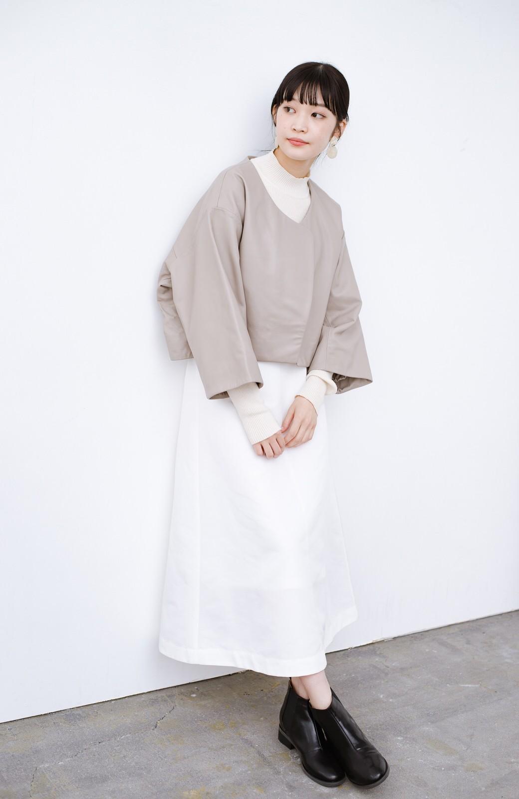 haco! BOLSISTA パッと羽織って大人かっこいいノーカラーレザージャケット <グレイッシュベージュ>の商品写真5