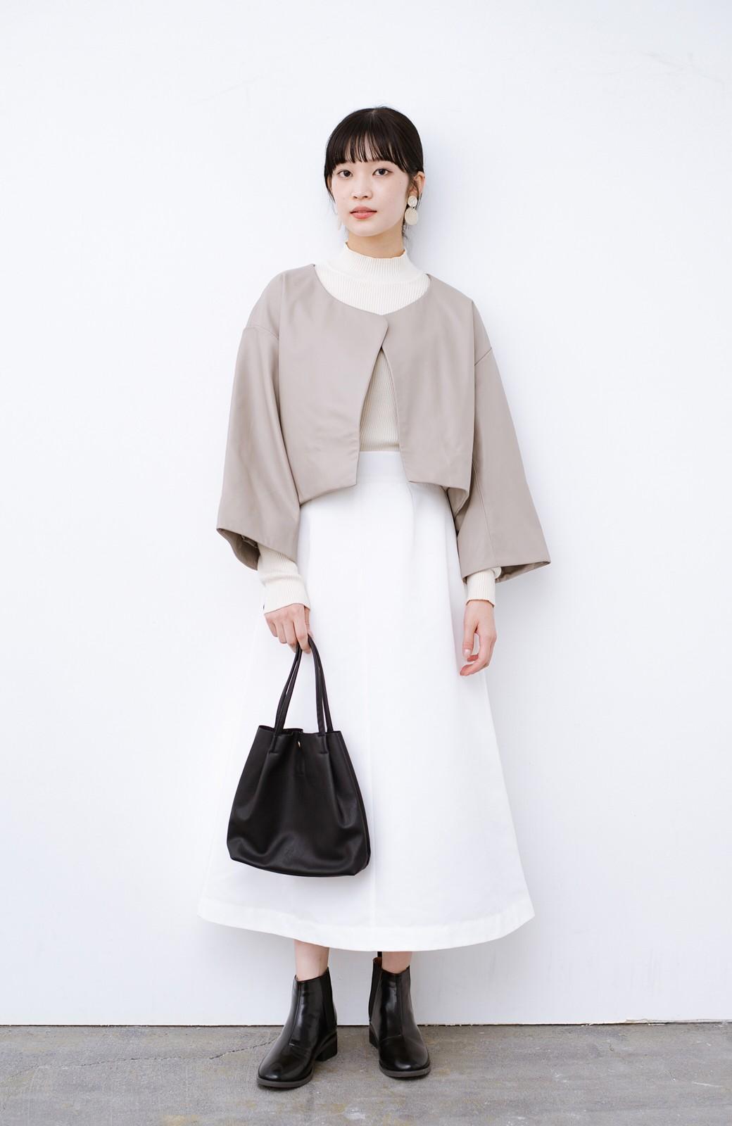 haco! BOLSISTA パッと羽織って大人かっこいいノーカラーレザージャケット <グレイッシュベージュ>の商品写真6