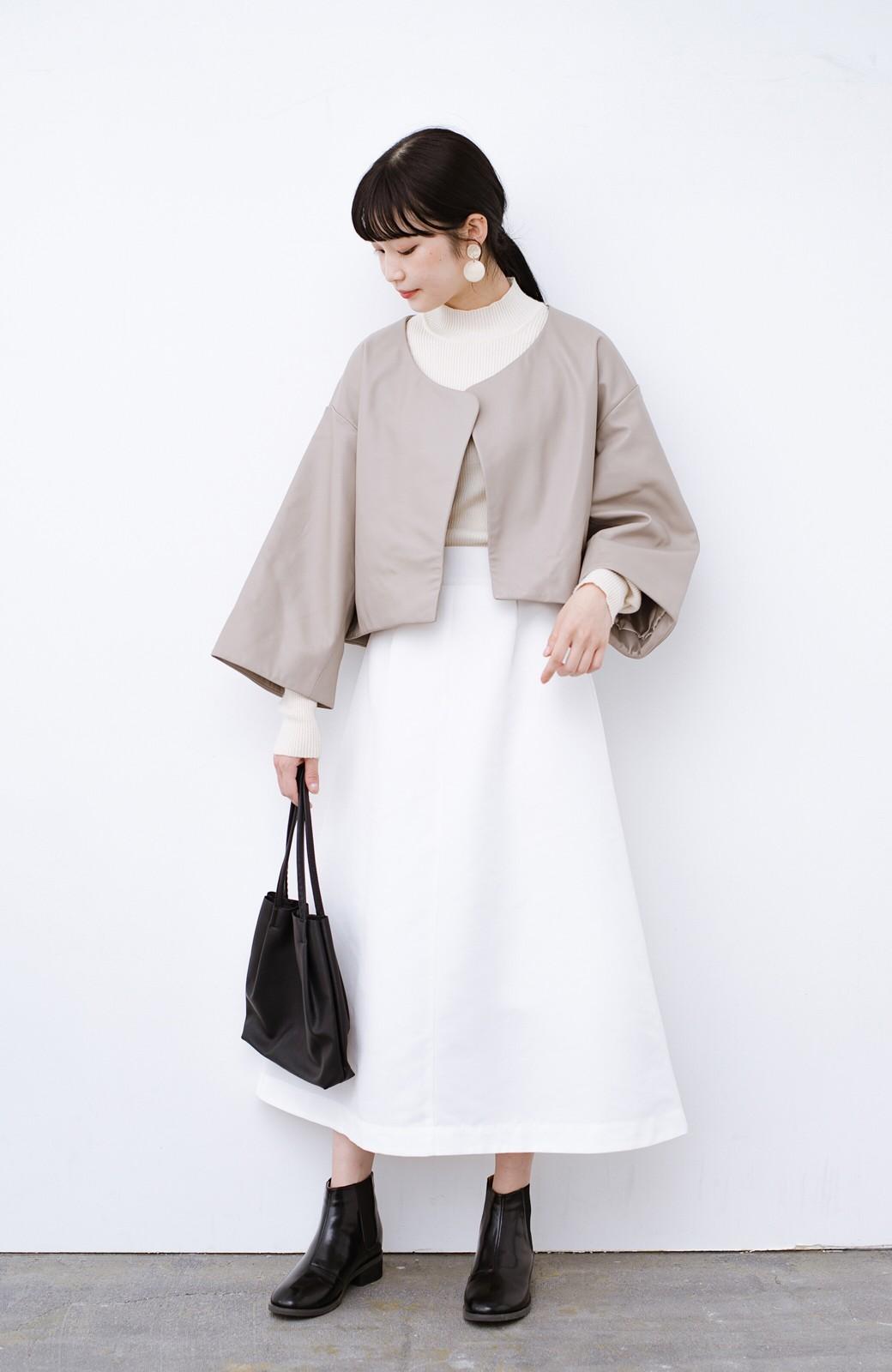 haco! BOLSISTA パッと羽織って大人かっこいいノーカラーレザージャケット <グレイッシュベージュ>の商品写真7