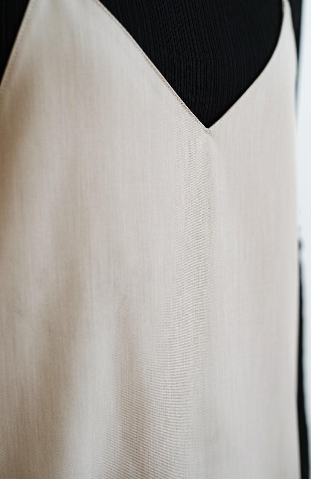 haco! オールシーズン活躍!Iラインシルエットで華奢見えする女っぽキャミワンピース <グレイッシュベージュ>の商品写真5