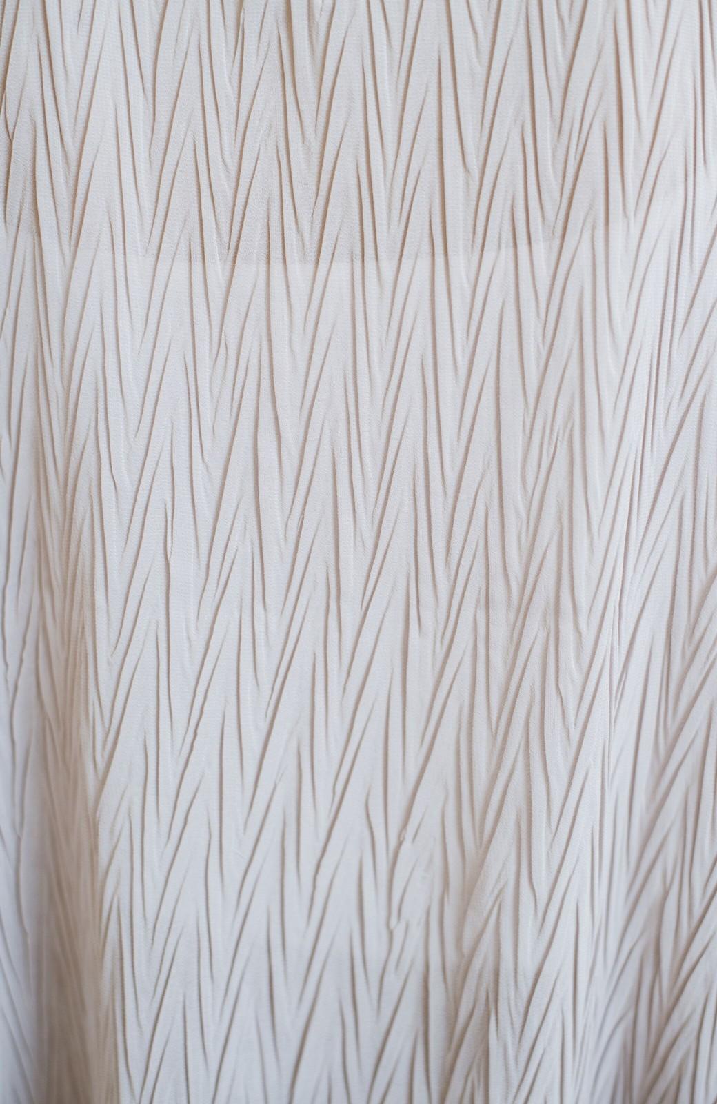 haco! いつものボトムスに合わせてもパッと今っぽくなれちゃうふわり袖が可愛いブラウス <ライトグレー>の商品写真3
